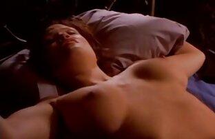 Malena nackte reife frauen Streifen sexy vor der Kamera