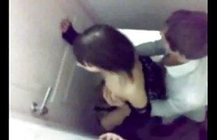 Samantha reife nackte frauen videos gibt einen blowjob in einem kurzen weißen Kleid