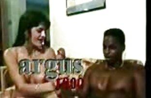 Schalten Sie die Kamera, während seine alte frauen nackt pics Freundin pussy