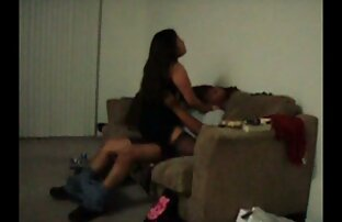 Gina zeigt geile reife frauen nackt ihre Muschi beim Porno Casting
