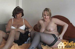 Schneiden Bett-Szene hübsche reife frauen nackt mit girl-On-girl