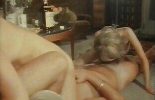 Das Mädchen saß mit ihrer Muschi auf dem Gesicht nackte reife weiber bilder des Kerls und lässt ihn lecken
